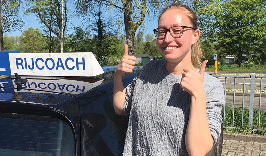 rijcoach heemstede met lesauto van rijschool rijcoach